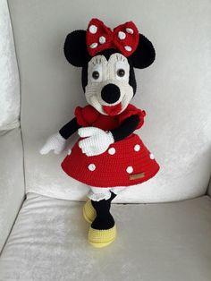 Harika naturel oyuncak Crochet Hats, Snoopy, Fictional Characters, Art, Amigurumi, Knitting Hats, Art Background, Kunst, Performing Arts