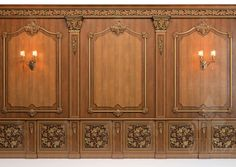 Орнаментальные накладки со стилизованной виноградной лозой в оформлении буазери