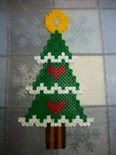 Christmas tree hama perler beads by Nath Hour Pixel Beads, Fuse Beads, Perler Beads, Fuse Bead Patterns, Perler Patterns, Beading Patterns, Christmas Star, Christmas Deco, Beading For Kids