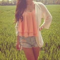 Cute outfit I would wear for summer or spring.