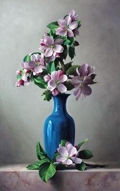 Shiny blue vase sets off lavender and green! - vase Shiny blue vase sets off lavender and green! Art Floral, Flower Vases, Flower Art, Flower Arrangements, Art Du Monde, Art Folder, Oil Painting Flowers, Painting Trees, Painting Art