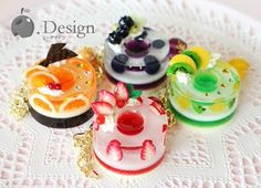 埋め込み Cute Polymer Clay, Cute Clay, Polymer Clay Charms, Diy Clay, Clay Crafts, Fun Crafts, Uv Resin, Resin Art, Kawaii Jewelry