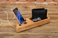 Samsung+dock+station,+Wooden+phone+stand,+Handmade+gift,+Wooden+organizer,+iPhone+6+dock,+Solid+wood+stand,+Gift+for+home