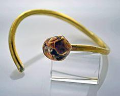 http://www.living-postcards.com/category/chic-and-greek/stavroula-kaziale-jewellery#.Uw936fl_srU