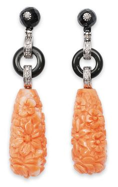 A pair of coral onyx earpendants 18 ct. Coral pendants carved, the top with onyx and diamonds of all together 14 small roudn cut diam. 51 x 11 mm. Bijoux Art Deco, Art Deco Earrings, Art Deco Jewelry, High Jewelry, Pendant Earrings, Jewelry Design, Conch Jewelry, Gemstone Jewelry, Jewlery