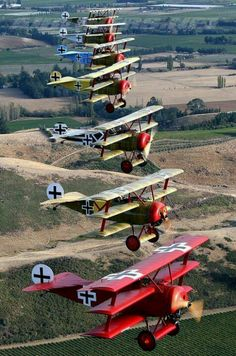 I Triplane & # s - Deutsche Luftwaffe (Replica) (Fighters) In . - Warbirds and classic Planes - Flugzeug Luftwaffe, Fighter Aircraft, Fighter Jets, Porsche Mission E, Fokker Dr1, Corvette Cabrio, Photo Avion, Old Planes, Vintage Airplanes
