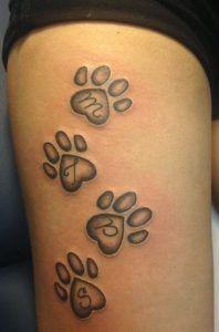 Resultado de imagem para tatuajes patitas de gato