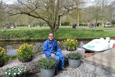 Ook Rob Verlinden hielp de stadstuin nog mooier te maken, door verschillende 'Jonge Planten' in mooie bakken te planten.