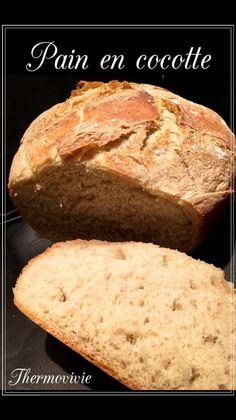 Je suis une grande fan des baguettes réalisées grâce à mon thermomix, mais je crois que ce gros pain cuit en cocotte risque de changer radicalement mes préférences tellement il est simple à réaliser.. J'apprécie tout particulièrement la bonne odeur qui...