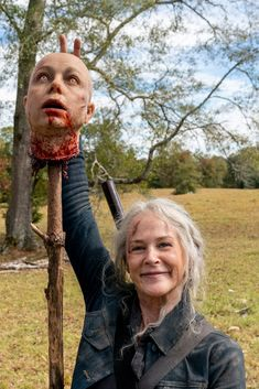 A Wandering Inactive along with Effect on All of our Traditions The actual wandering inactive Walking Dead Funny Meme, Walking Dead Zombies, Walking Dead Cast, Fear The Walking Dead, Melissa Mcbride, Daryl Dixon, Zombie Apocalypse, Me As A Girlfriend, I Movie