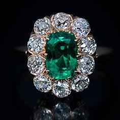 Antique Engagement Rings, Antique Rings, Vintage Rings, Antique Jewelry, Vintage Jewelry, Emerald Ring Vintage, Artisan Jewelry, Antique Gold, Emerald Jewelry