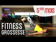 VIDEO fitness mois de grossesse avec un ballon Swiss Ball - There are many alternatives to get a flat stomach and among them are various yoga poses. Prenatal Workout, Prenatal Yoga, Pregnancy Workout, Yoga Fitness, Video Fitness, Body Challenge, Flat Stomach, Flat Belly, Yoga Tips