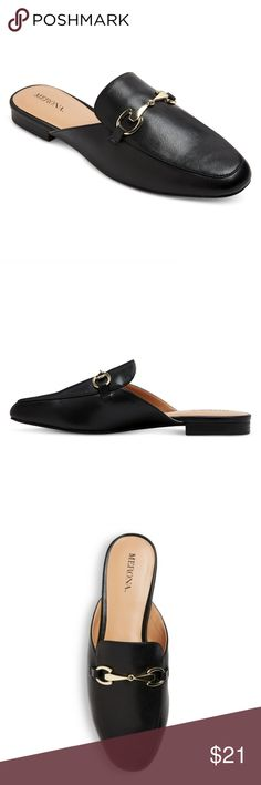 "Merona Loafer mules BLACK size 9 NWT BRAND NEW! Backless Loafer Mules By Merona NWT These slip-on shoes have  a rounded toe with a metal detail . The perfect flat all year! The approx length is 11"" Merona Shoes Flats & Loafers"