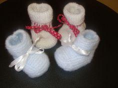 Un modèle de chaussons facile à faire . La taille dépend de la grosseur de laine utilisée . Pour une taille naissance j'ai utilisé la laine...