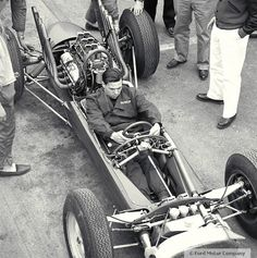 1963 - Jim Clark Testing out the Prototype Lotus 29 - You can see just how Tiny the Car is, Barely Fitting the Driver - Clark was a Rather Small Man, so this Car Really is Tiny Vintage Sports Cars, Vintage Race Car, Lotus Car, Race Engines, Racing Events, Formula 1 Car, Classic Motors, Ford, Indy Cars