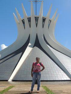 A Catedral Metropolitana de Nossa Senhora Aparecida, mais conhecida como Catedral de Brasília.