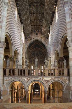 Presbytery above crypt. Verona Italy, Tuscany, Italian Lifestyle, 12th Century, Bologna, Italy Travel, Barcelona Cathedral, Venice, Rome