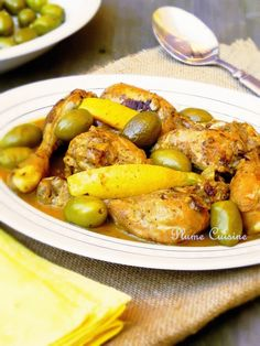 Chicken blanquette (at cookeo) - When Nad cooks . Healthy Recipes On A Budget, Healthy Cooking, Healthy Snacks, Tagine, Crockpot Recipes, Cooking Recipes, Ramadan Recipes, Clean Eating Dinner, Chicken