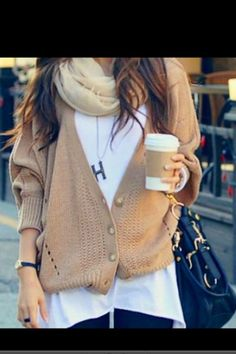 long flowy tee + chunky cardigan + lightweight scarf + long chain pendant // @dressmeSue