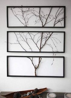 Split an actual tree branch in picture frame #WoodProjectsDiyTreeBranches