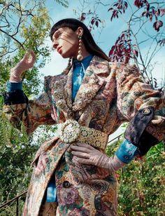 LA SOUVERAINE (Numéro)Alix Angjeli - Model