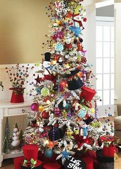 Cute!  Would love to take inspiration from the top hats and do a Mad Hatter Tree!  ~Love~