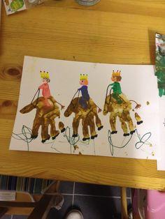 Hand print 3 kings christmas place mat