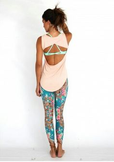 Great outfit for yoga. Tanned ponytailed chocolette in sleeveless split blush top revealing strappy minty sports bra, aqua/coral/brown paisley fractal yoga pants Cute Workout Outfits, Yoga Outfits, Fitness Outfits, Workout Attire, Workout Wear, Sport Outfits, Cute Outfits, Workout Tanks, Gym Style