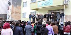 Mardin'in Nusaybin İlçesi'nde sokağa çıkma yasakları ve çatışmalı ortam nedeniyle 3 kez ertelenen Temel Eğitimden Ortaöğretime Geçiş (TEOG) sınavı bugün yapıldı.