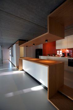 Kitchen  Loft 02 by EHTV Architectes