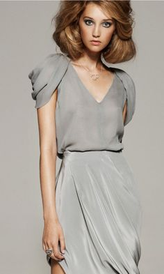 absolutely enamored with this new S/S 2012 line from Abreurios.where can I buy? Yes, I will splurge even in unemployment - i like it THAT much. Fashion Details, Look Fashion, High Fashion, Womens Fashion, Robes Glamour, Gray Dress, Silver Dress, Dress Me Up, Blouse Designs