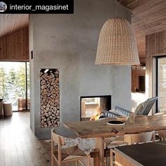 Et av våre superfine LYSTHUS i det nyeste InteriørMagasinet Modern Cabin Interior, Interior Design, Modern Cabins, Home Fireplace, Cabin Interiors, Scandinavian Home, Log Homes, Interior Inspiration, Home Office