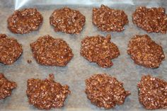 The Secret to Making the Perfect Chocolate & Peanut Butter No Bake Cookies (Cool Desserts To Make) Candy Cookies, Cookie Desserts, Yummy Cookies, Cookie Recipes, No Bake Cookie Recipe, Best No Bake Cookies, Cookie Tips, Dessert Recipes, Quick Dessert