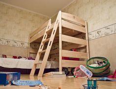 1000 id es sur le th me construire un lit sur pinterest - Comment fabriquer un lit superpose ...
