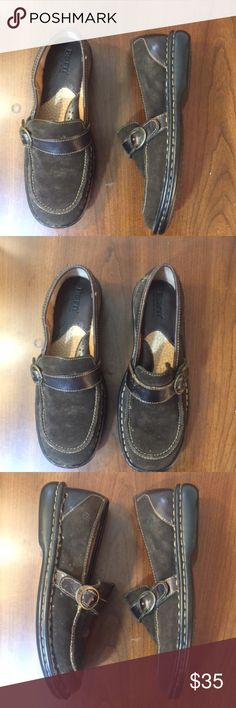 Women's Born Slip On Loafers w/ Buckle Strap - 7 Women's Born Slip On Loafers w/ Buckle Strap - 7  Great condition.  - Full-grain suede - Leather lining - Rubber outsole - Opanka hand-crafted construction - Heel Height: 1/4 inch Born Shoes