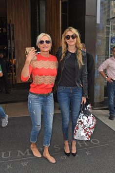 Pin for Later: 43 Photos That Prove Gigi Hadid Can Make Jeans Work For Any Occasion  Wearing side-zip skinny jeans with a black tee, leather jacket, and black pumps.