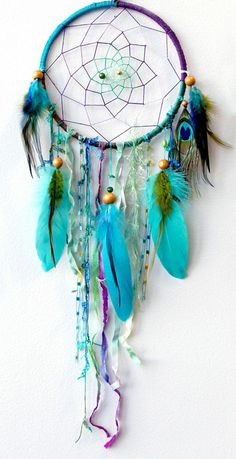 Tinker dream catchers yourself: Simple instructions with 29 ideas in pictures - dream catchers make feathers wooden beads a circle You are in the right place about kids playroom id - Los Dreamcatchers, Mundo Hippie, Craft Projects, Projects To Try, Diy And Crafts, Arts And Crafts, Summer Crafts, Suncatchers, Mobiles