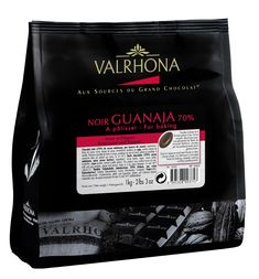 Rich and creamy, Caramelia, milk chocolate couverture chips from Valrhona with a pronounced caramel flavour. For wide use in baking, chocolate decoration and all applications of chocolate making. Valrhona Chocolate, Cooking Chocolate, I Love Chocolate, Chocolate Blanco, White Chocolate Chips, How To Make Chocolate, Melting Chocolate, Chocolate Recipes, Chocolate Making