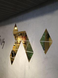 Kit Mirror on the Wall | HUGO SIGAUD