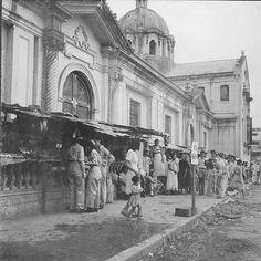 old Quiapo church - Manila Phils - philippines holiday Philippines Culture, Manila Philippines, Philippine Architecture, Jose Rizal, Philippine Holidays, Mindanao, Old Photos, Vintage Photos, Historical Architecture