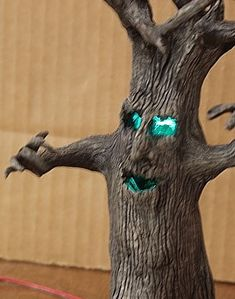 .Scary Tree - how to - very detailed tutorial - intermediate to advanced project