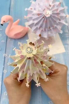 video ideen How to Make a Easy Paper Umbrella That Open and Close Paper Flowers Craft, Paper Crafts Origami, Paper Crafts For Kids, Origami Flowers, Origami Hearts, Origami Butterfly, Diy Crafts Hacks, Diy Crafts For Gifts, Diy Crafts Videos
