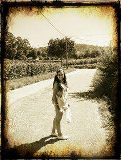 """"""" É claro que o sol vai brilhar novamente..."""" Fotografia em sépia, vila fria 2016"""