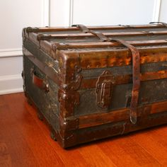 Huge Antique Steamer Trunk. Coffee Table. Flat Top. Canvas.