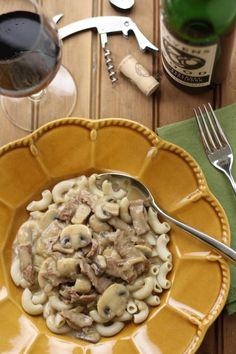 No Gluten, No Problem: Recipe: Beef Stroganoff Sugar Free Recipes, Gf Recipes, Gluten Free Recipes, Make Your Own Pasta, Sans Lactose, Gluten Free Living, Beef Stroganoff, Food Dishes, Food And Drink