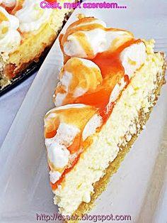 Rákóczi túrós torta Hungarian Desserts, Hungarian Recipes, Cheesecake Recipes, Dessert Recipes, Savarin, Food Porn, Sweets Cake, Baking And Pastry, Sweet Desserts