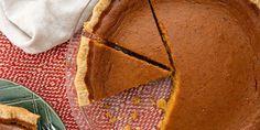 Easy Homemade Pumpkin Pie Recipe from Scratch - How to Make Pumpkin Pie Homemade Pumpkin Pie, How To Make Pumpkin, Pumpkin Pie Recipes, Pecan Pie Cheesecake, Recipe From Scratch, Pumpkin Dessert, Pumpkin Spice Latte, Baked Chicken, Chicken Pizza