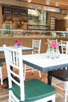 #coffeshop #coffeshopinterior #brasserie #frenchbistro Coffee Wine, Coffee Shop, French Bistro, Wine Lover, Outdoor Furniture, Outdoor Decor, Table Decorations, Interior, Home Decor