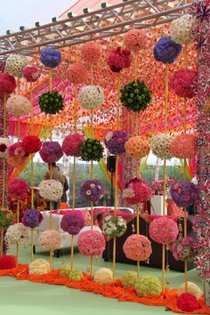 52 new ideas wedding backdrop indian mehndi decor Wedding Hall Decorations, Desi Wedding Decor, Marriage Decoration, Diwali Decorations, Flower Decorations, Housewarming Decorations, Wedding Themes, Wedding Colors, Table Decorations