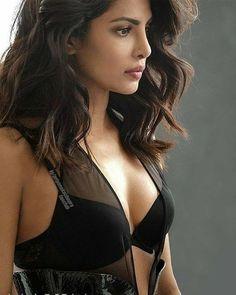 Priyanka Chopra with lingerie sexy - Hub Actress Bollywood Celebrities, Bollywood Actress, Lingerie Look, Priyanka Chopra Hot, Provocateur, Indian Bollywood, India Beauty, Beautiful Actresses, Beautiful Indian Actress